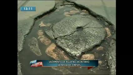 Vazamento de água no Jacintinho já passa de 3 meses