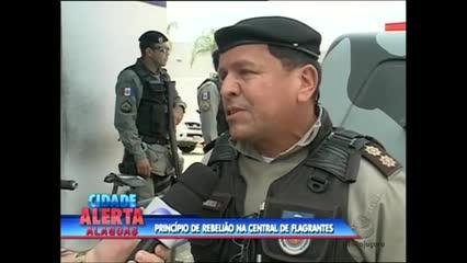 Um princípio de rebelião na Central de Flagrantes I foi registrado na tarde desta quarta-feira
