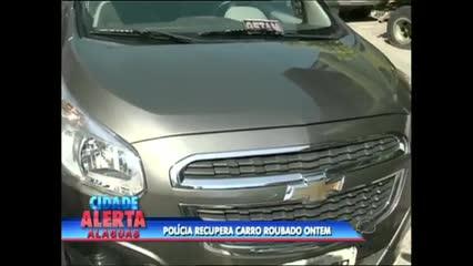 A polícia recuperou nesta quinta-feira um carro roubado na noite de ontem na Jatiúca