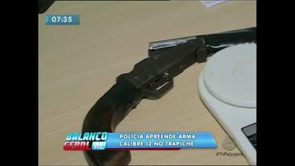 Polícia apreende arma calibre 12 no bairro do Trapiche