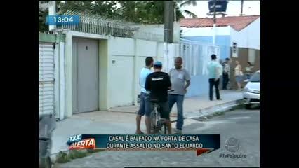 Um assalto deixou duas pessoas feridas no Conjunto Santo Eduardo