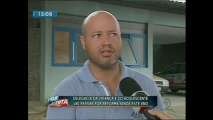 Delegacia da Criança e do Adolescente no Jacintinho está com carceragem interditada