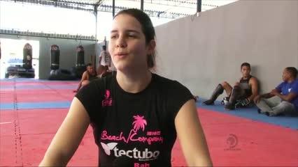 A alagoana Barbara Acyoli tem se destacado no MMA