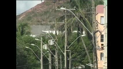 Moradores de Jacarecica reclamam das constantes quedas de energia