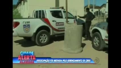A Polícia Militar cumpriu reintegração de posse em conjunto na cidade de Rio Largo