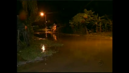 Lagoa começa a transbordar na cidade do Pilar