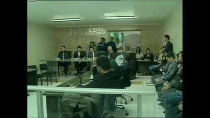 Plenário lotado na posse do vice-prefeito de Maribondo
