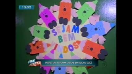 Prefeito Rui Palmeira visitou creche reformada em Riacho Doce