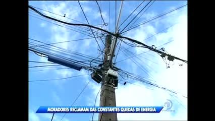 Moradores do Clima Bom reclamam das constantes quedas de energia