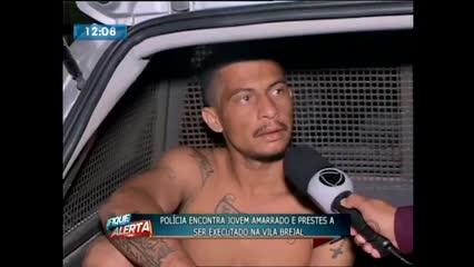 Polícia resgata homem que estava amarrado em cadeira prestes a ser executado