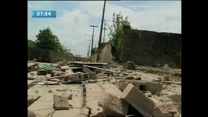 Uma criança morreu após muro desabar sobre ela no Gama Lins