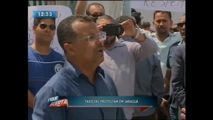 Taxistas realizaram protesto no bairro do Jaraguá