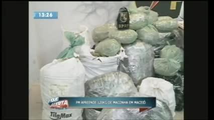 Quatro homens foram presos acusados de tráfico de drogas no Pinheiro