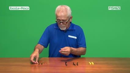 Como iscar corretamente o anzol na minhoca plástica
