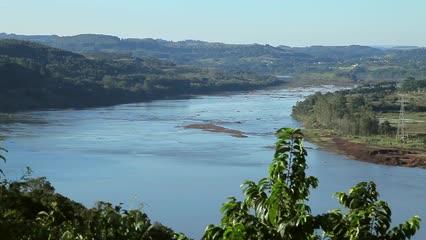 Brasiliensis - As ameaças ao dourado na bacia do rio Uruguai