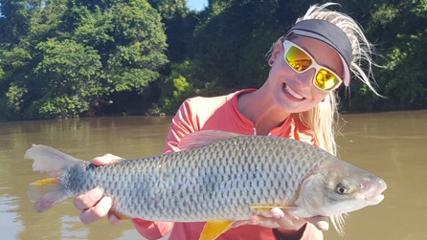 Elas na Pesca - Pescaria de piaparas no rio Paraná
