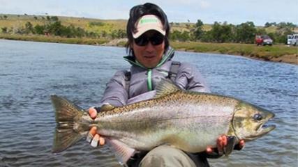 Desafiadora pesca de salmonídeos