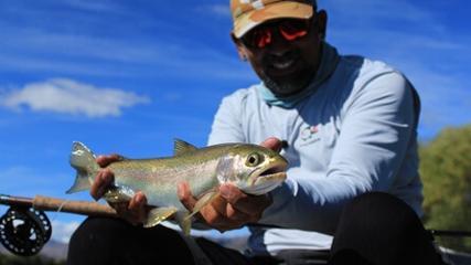 Uma pescaria entre amigos no coração da Patagônia