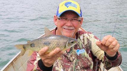 Pescaria de piau-três-pintas na corredeira