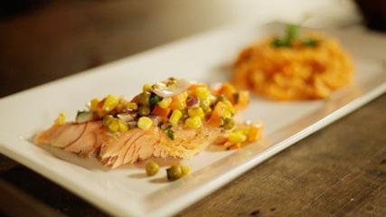 Salmão grelhado e risoto de camarão