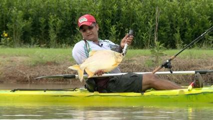 Pescaria desafiadora com fly fishing e caiaque