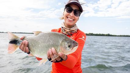 Belas praias, pesca esportiva e vida noturna com a Ituzaingó Fishing