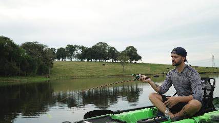 Tipos de arremesso na pesca com caiaque
