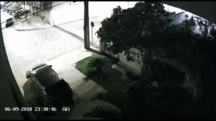 Exclusivo: vídeo mostra carro de vereador Silvânio Barbosa saindo de condomínio onde morava
