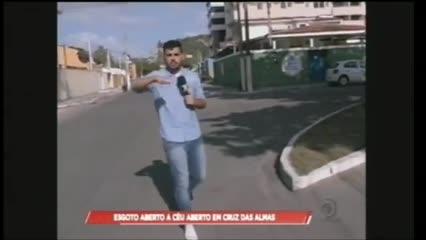 Moradores reclamam de vazamento de esgoto em Cruz das Almas