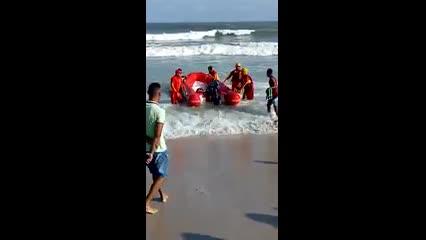 Corpo de estudante que pulou do emissário é encontrado na Praia do Sobral