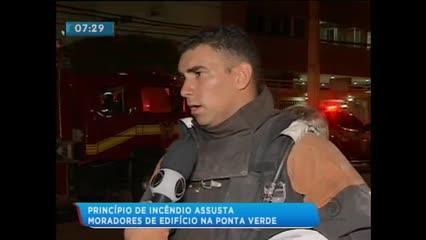 Princípio de incêndio assustou moradores da Ponta Verde