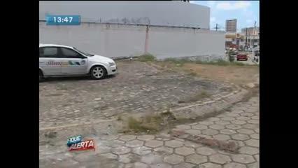Táxi capotou na manhã de hoje em Mangabeiras