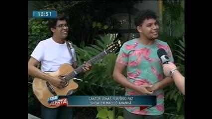 Cantor Jonas Porfírio faz show em Maceió