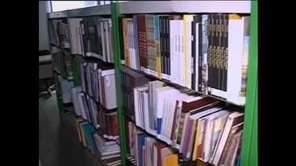 A biblioteca pública Graciliano Ramos tem mais de 17 mil livros esperando para serem lidos