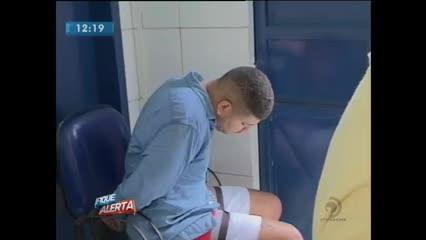 Homem foi preso acusado de tráfico de drogas no Jacintinho
