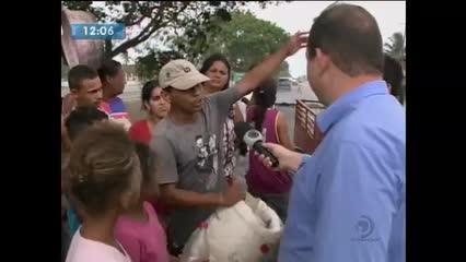 Moradores da Portelinha protestaram contra falta d'água