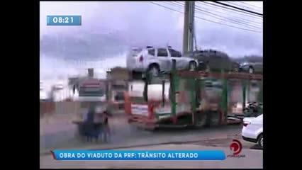Alteração no trânsito para obra do viaduto da PRF