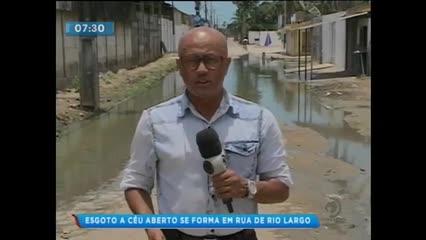 Esgoto a céu aberto incomoda moradores em Rio Largo