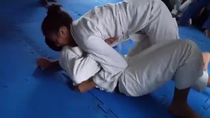 Conheça o projeto social que leva o Jiu-Jitsu para crianças e adolescentes carentes