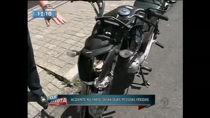 Acidente deixou duas pessoas feridas no bairro do Farol
