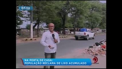 População reclama de acúmulo de lixo na Avenida Senador Rui Palmeira