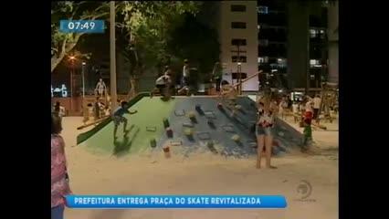 Prefeitura entrega Praça do Skate revitalizada