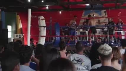 Noite do kickboxing no Instituto Cidadão