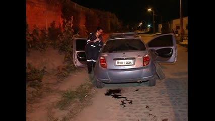 Corpo é encontrado amarrado dentro de porta-malas de carro em Maceió