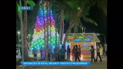Decoração natalina da orla encanta maceioenses e turistas