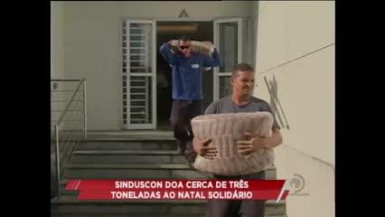 SINDUSCON doa cerca de três toneladas ao Natal Solidário