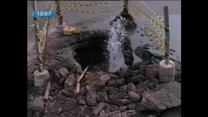 Desperdício de água é grande no Centro de Maceió