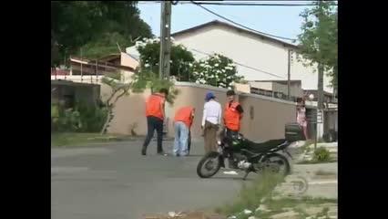 Piso de apartamento no Pinheiro afunda e assusta moradores