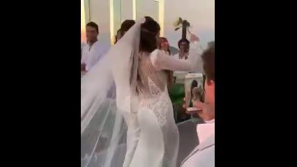 Alok e Romana Novais se casam aos pés do Cristo Redentor, no Rio