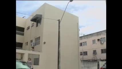 Moradores do Pinheiro são forçados a sair das casas após rachaduras no bairro